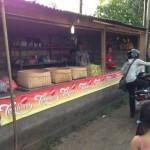 バリ島のお供え物を売る屋台