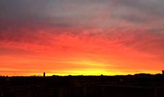 真っ赤な朝焼け