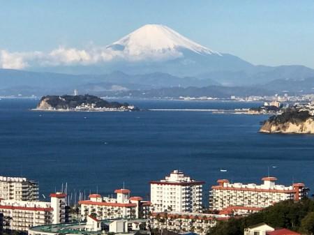 披露山公園から富士山と江ノ島と相模湾