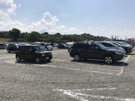 明野サンフラワーフェス メイン会場駐車場