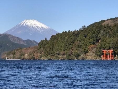 iPhone7 Plusの3.5倍ズームで箱根芦ノ湖と富士山を撮影