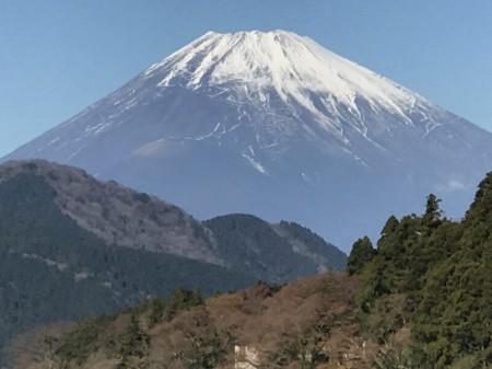 iPhone7 Plusの10倍ズームで箱根芦ノ湖から富士山を撮影