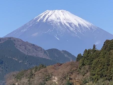 iPhone XS Maxの10倍ズームで箱根芦ノ湖から富士山を撮影